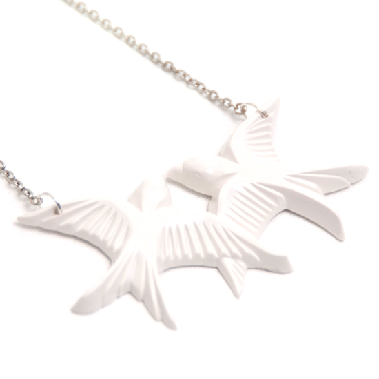 Halsband Kärlekssvalor (vit)