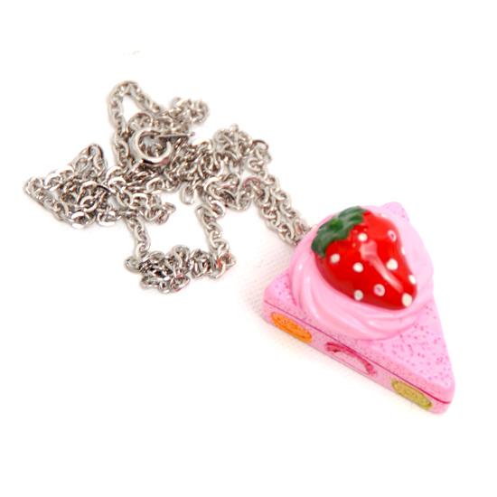 Necklace CStrawberry Pie
