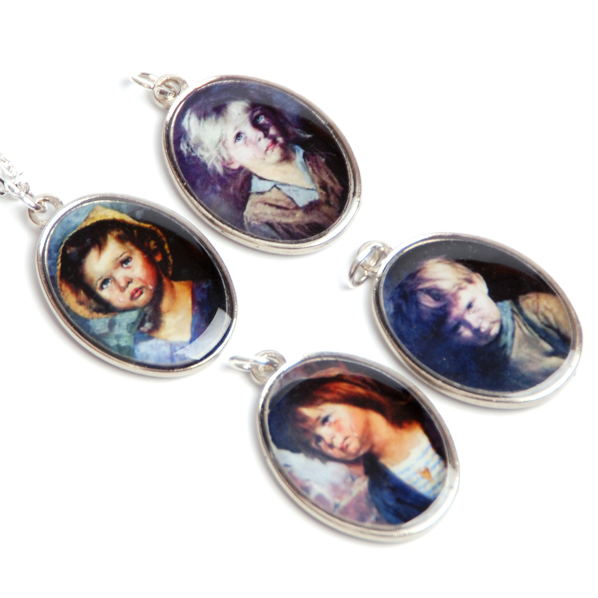 Necklace Crying Children Kitsch