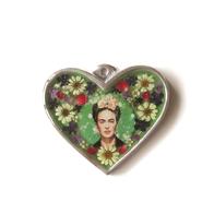 Väggprydnad glas hjärta Frida Kahlo grön